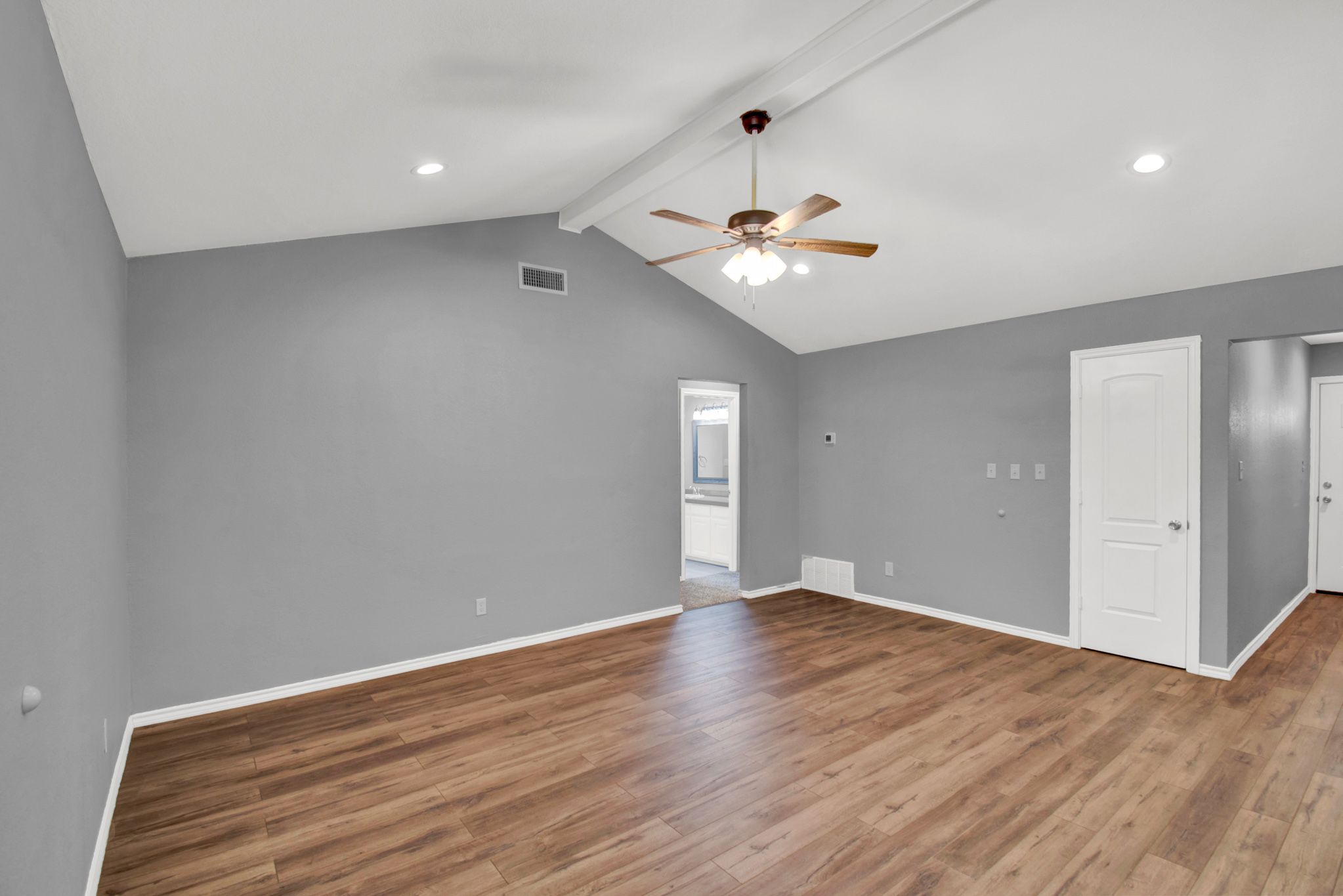 104 NW SuzanneTerrace 5.jpg