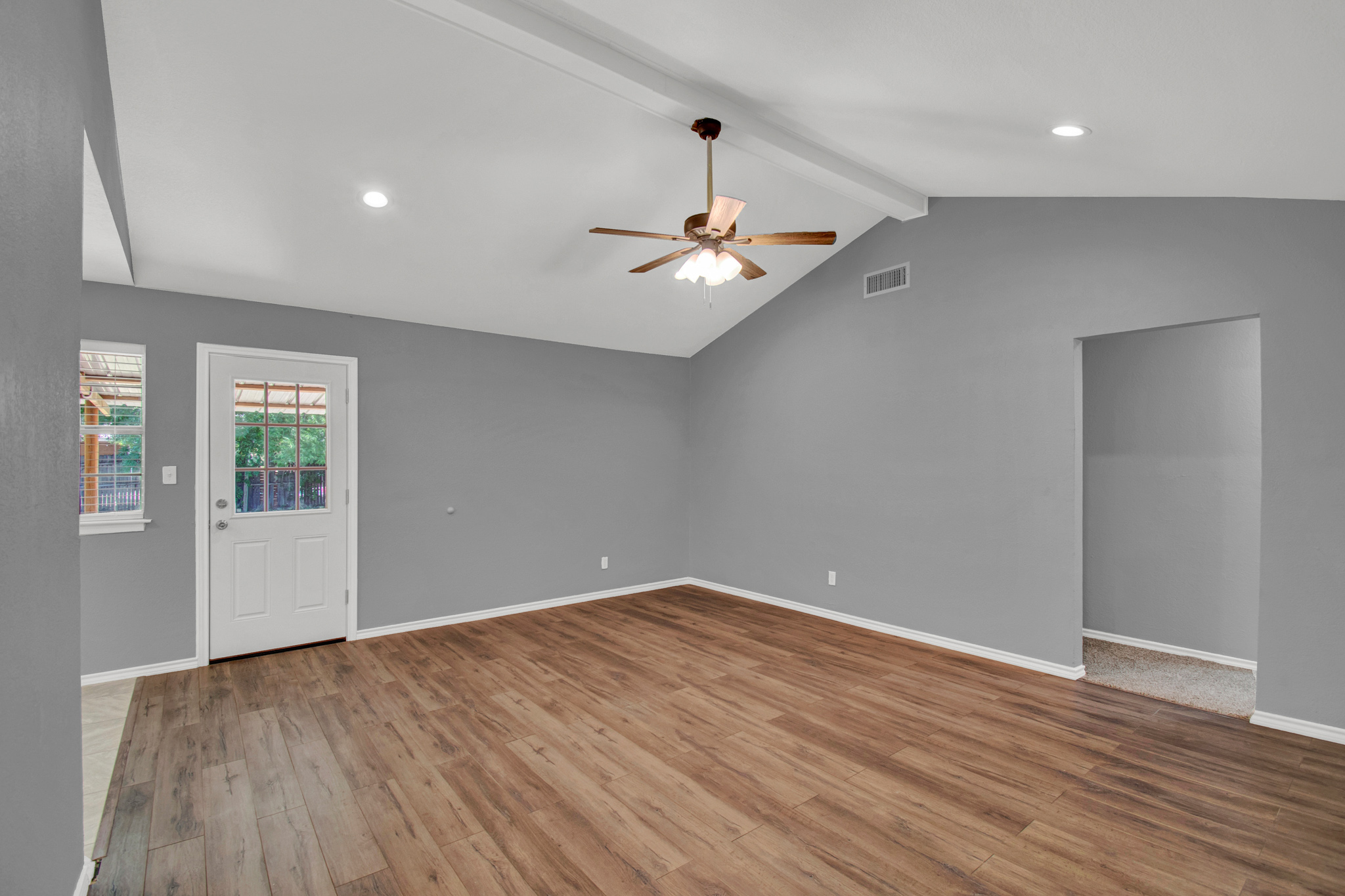 104 NW SuzanneTerrace 4.jpg