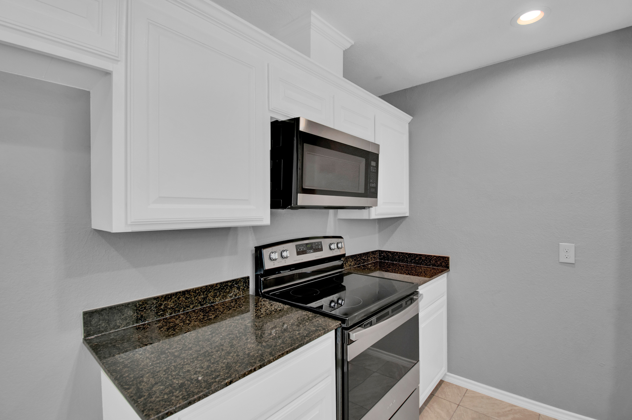 104 NW SuzanneTerrace 9.jpg