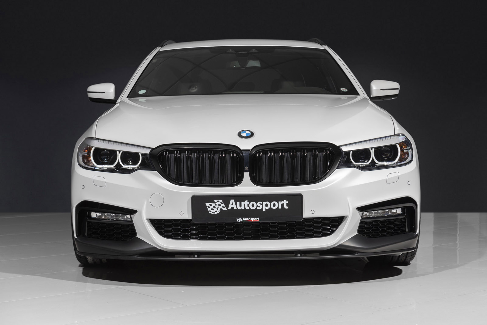 BMW_520d_2.jpg