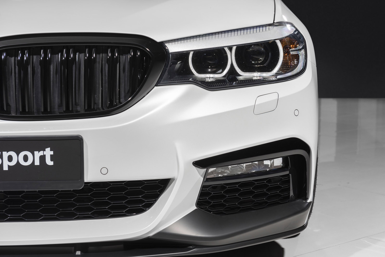 BMW_520d_3.jpg