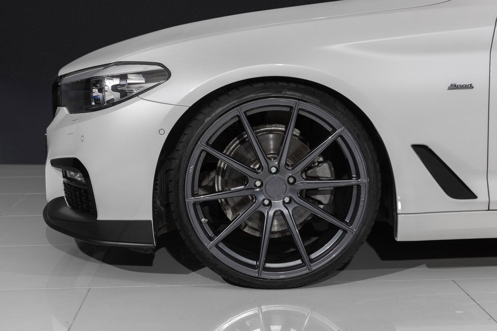 BMW_520d_7.jpg