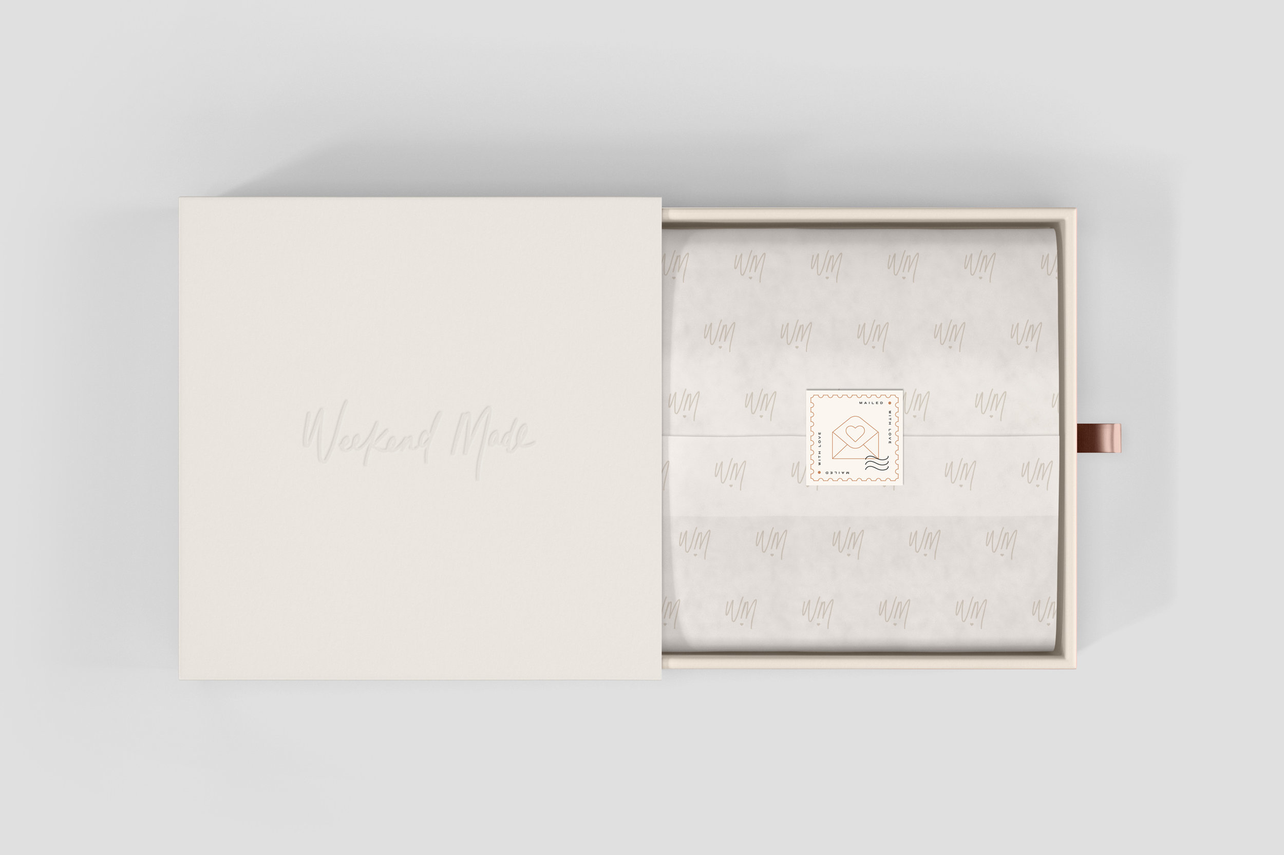 WeekendMade-Box-Logo-Packaging-Design.jpg