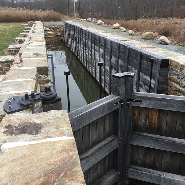 Lock2EastMorris_3403_Launch.jpg