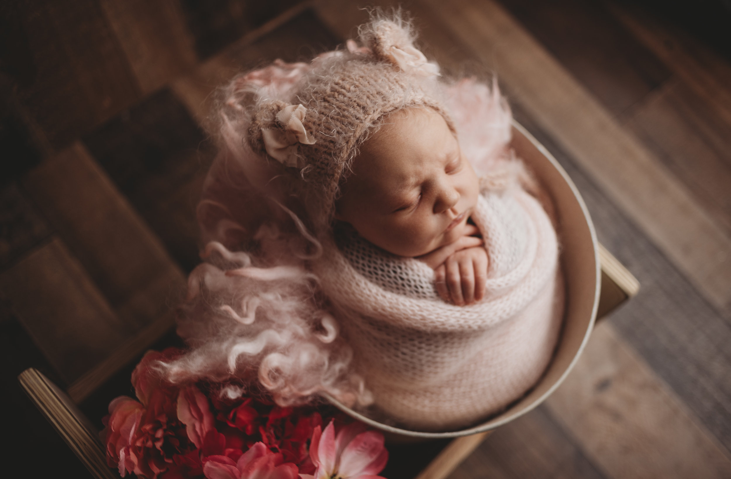 She mentioned at her maternity session how beautiful whit bear bonnet was. I did not forget. <3 I love seeing what my clients love!