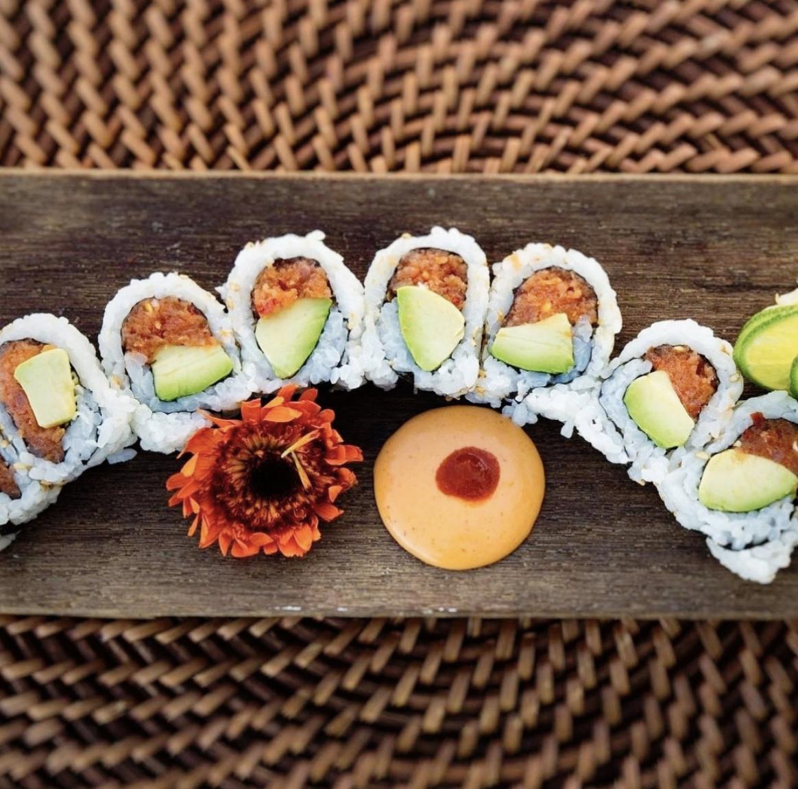 langosta sushi shot.png