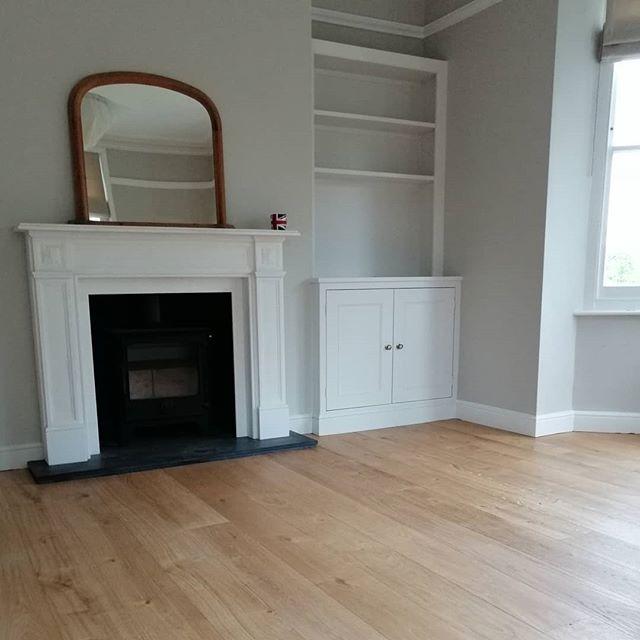 New oak flooring 🌳 • • • • • #carpentry #propertymaintenance #lounge #home #house #homeimprovement #instagood #picoftheday #flooring #fireplace #interiordesign #design #kitchen #winchester