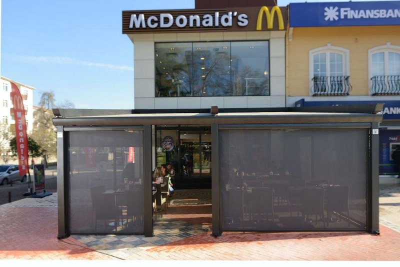 pergola-awning-restaurant-mcdonalds.jpg