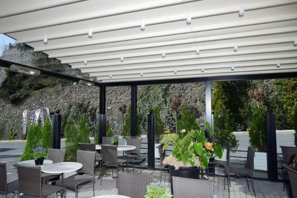 pergola-awning-restaurant-clock-outdoor-terrace-inside.jpg