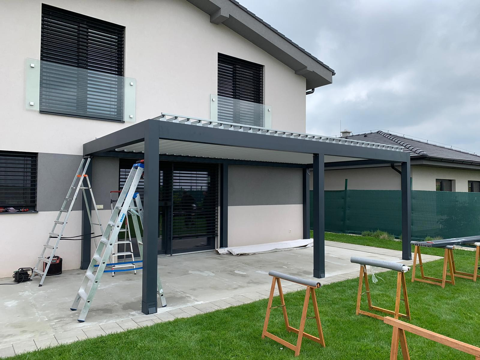 motorized-pergola-louvers.jpg