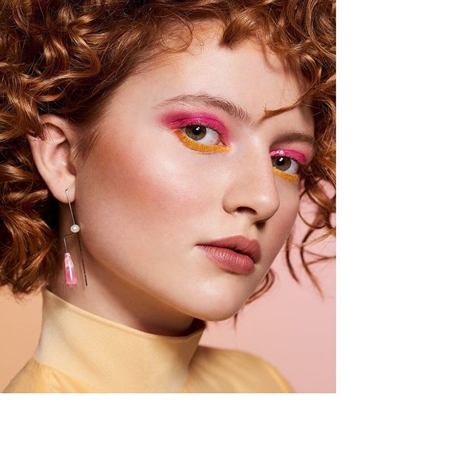 Good Morning Rome 💕  Beautiful Editorial by @julia_keltsch_photography for @modmagazine with beautiful @maartje.hh and super talented @evelyninnerhofer  #beauty #spring #editorial #photography #gingerbeauty #pink #earrings #goldmarlen #design #handmade #withlove #madeinstuttgart #limitededition 💥