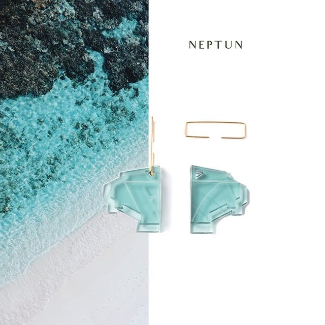 Our Neptun Earrings in gold are back in stock 🧚🏻‍♂️ Genießt den Sommer 💦  Die Neptun Ohrringe gibt es in 5 verschiedenen Farben 🌴  #reiffürdieinsel #schmuck #ohrringe #plexilove #turquoise #water #waterresistant #habdmadejewelry #lasercut #madeinstuttgart #withlove #studio #0711 #goldmarlen