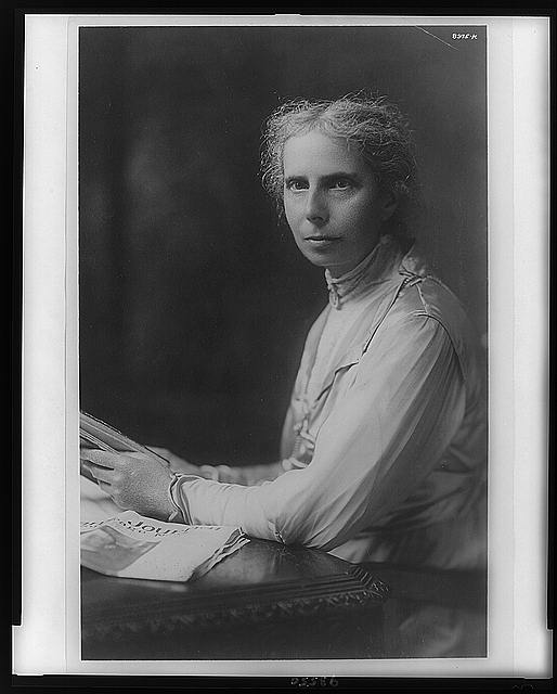 Alice Stone Blackwell, head-and-shoulders portrait, facing left