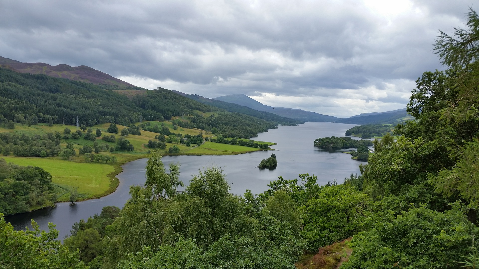 Queens View Loch Tummel, Perthshire -  Tour & Walk in small groups - Roaming Scotland..jpg