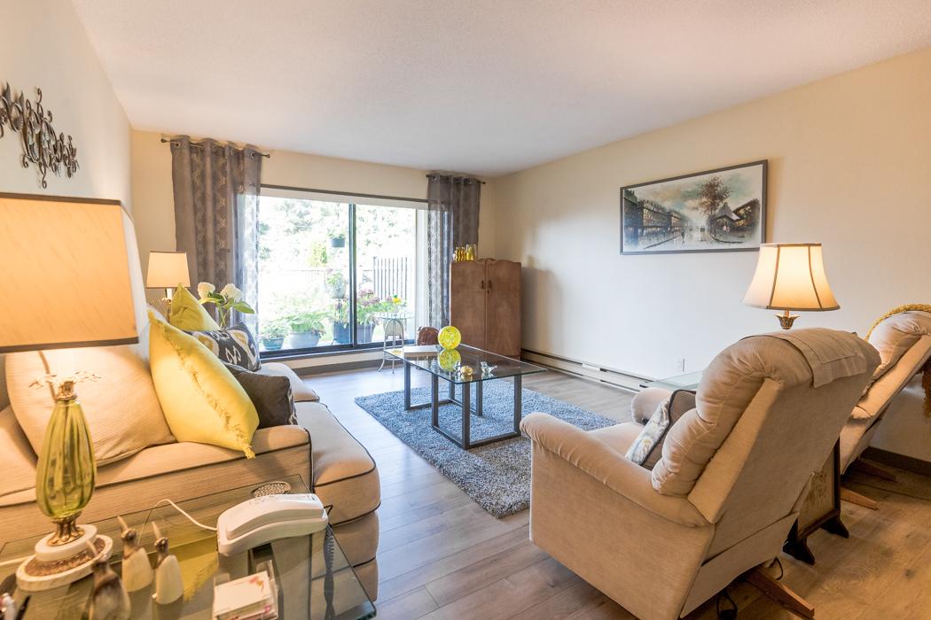 101 - 130 Sunningdale Road E Great Room
