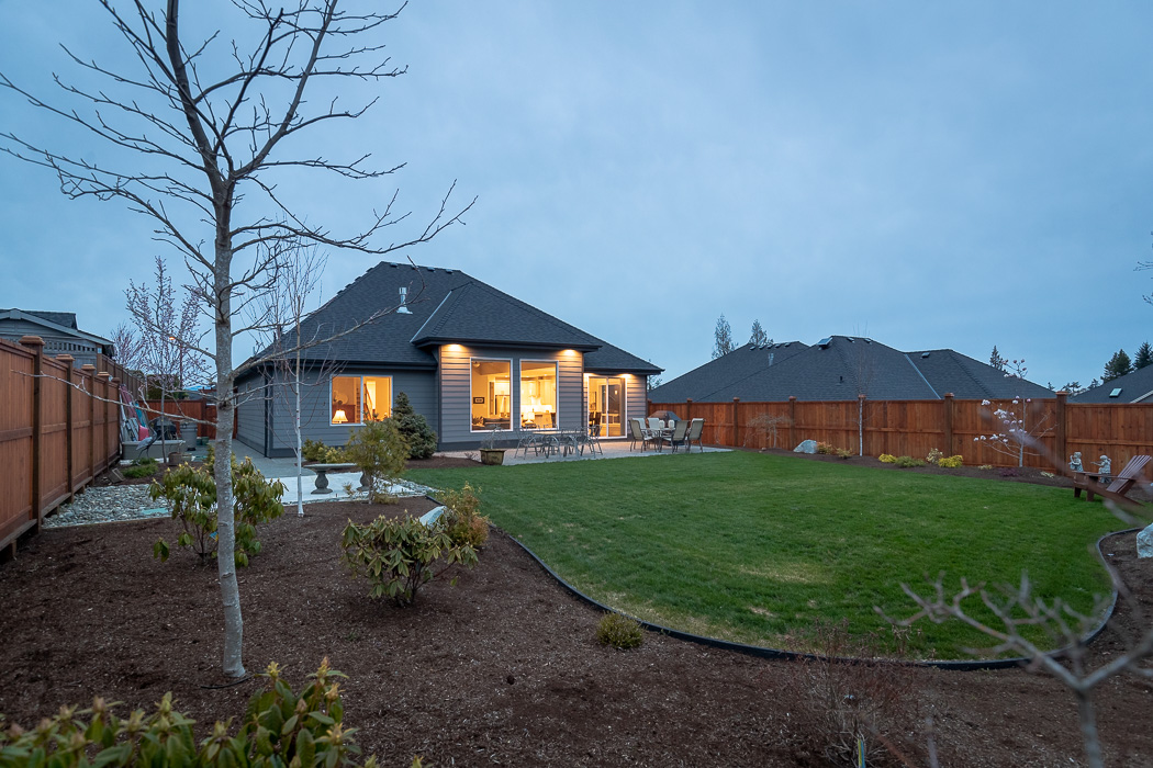 694_lowrys_road_parksville_vancouver_island_home_for_sale_rear_yard.jpg