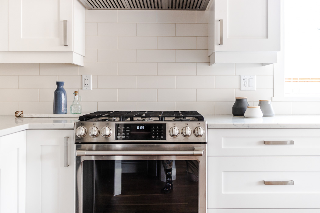 694_lowrys_road_parksville_vancouver_island_home_for_sale_stove.jpg