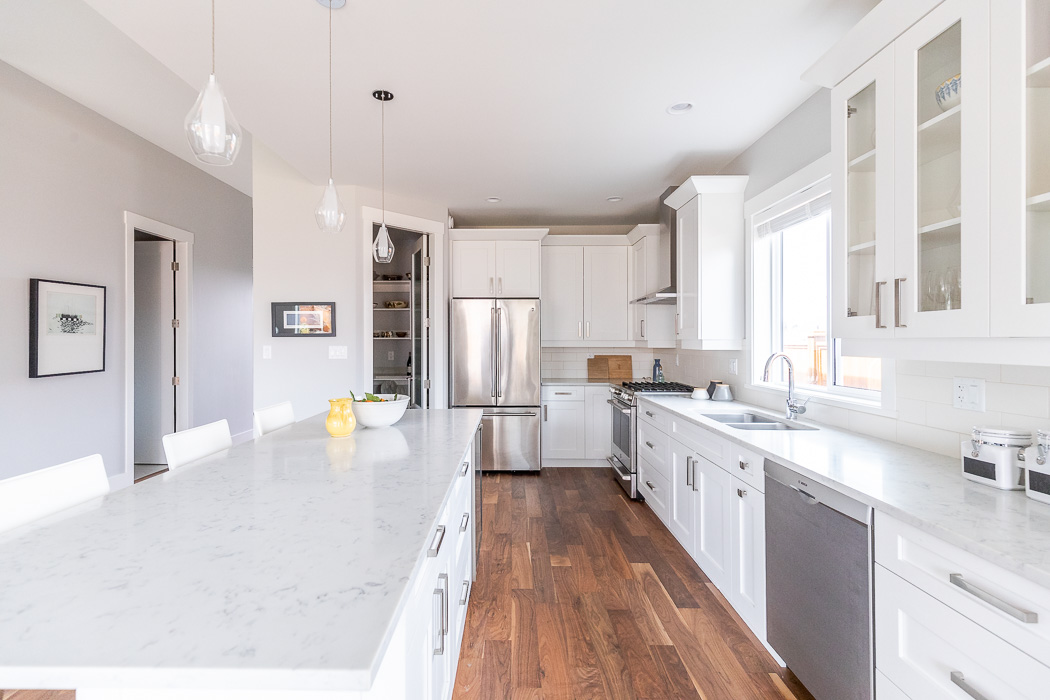 694_lowrys_road_parksville_vancouver_island_home_for_sale_kitchen_pantry_view.jpg