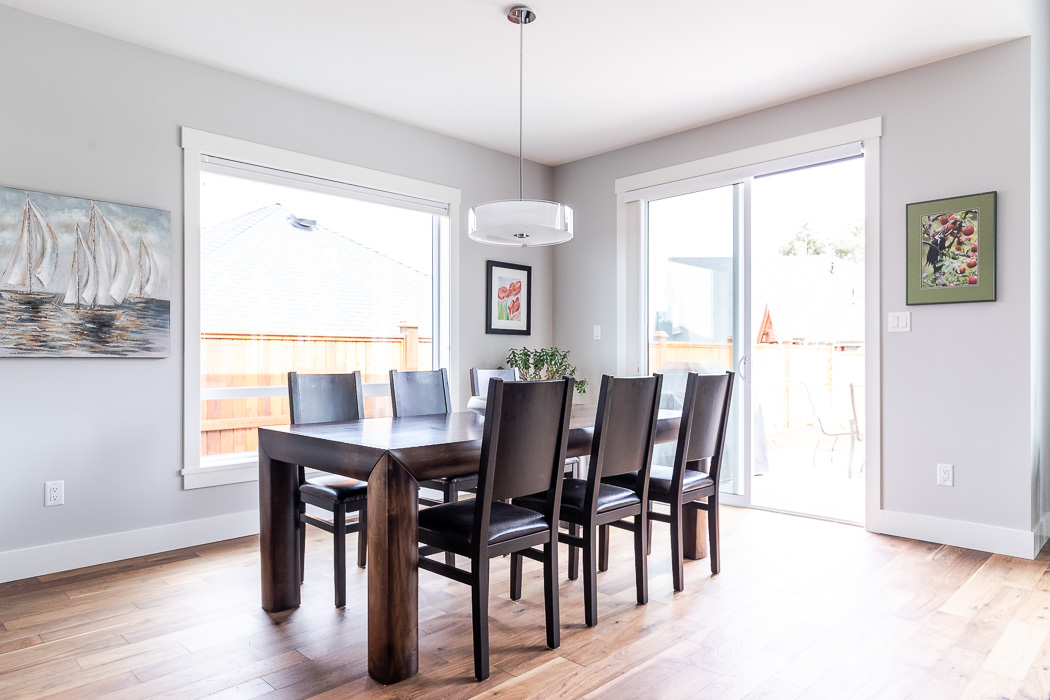 694_lowrys_road_parksville_vancouver_island_home_for_sale_dining_room_angle.jpg