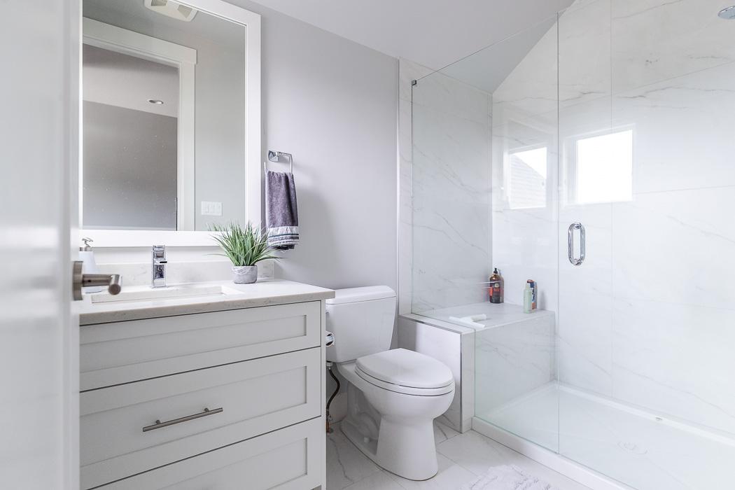 694_lowrys_road_parksville_vancouver_island_home_for_sale_bonus_room_bathroom.jpg
