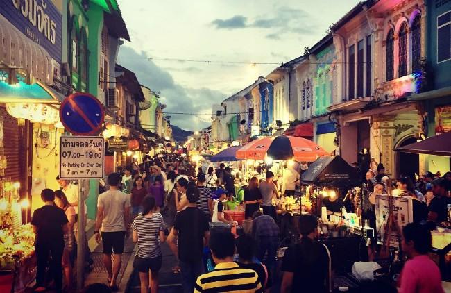 Phuket-Walking-Street-Market-1.jpg