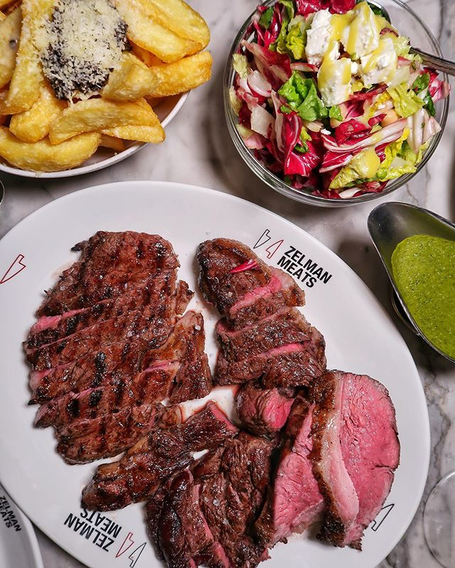 The Zelman Plate, the new sharing platter that @zelman_meats have launched is serving up some seriously good steak! 🤤🤤 At £32 per person for 4 tender cuts, cooked to perfection, & it's the best place for a steak date night! ❤️ team with truffle fries to impress your date (thank us later 😉) & don't forget to try a cocktail from their new cocktail menu! 🍸 If you have any space left by the end of your meal you can choose from an unlimited dessert, Apple Pie or Tiramisu from their cute dessert trolley!! 🥧🍮 Perfect meal or what?! 😍 TAG a meat lover that owes you a steak date night… 🥩