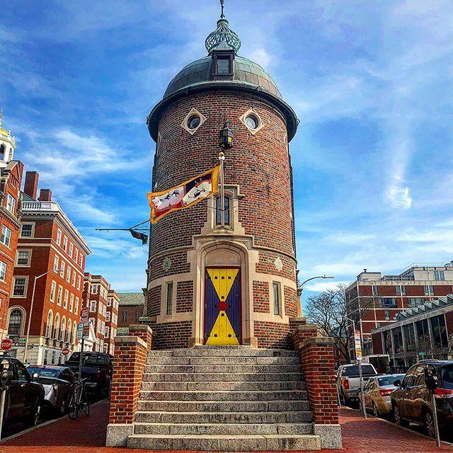 The Harvard Lampoon Building is a must see landmark while in Cambridge. . . . #theharvardlampoon #1909 #harvard #architecture #photography #photooftheday #edmundwheelwright #harvardcrimson #goldcoast