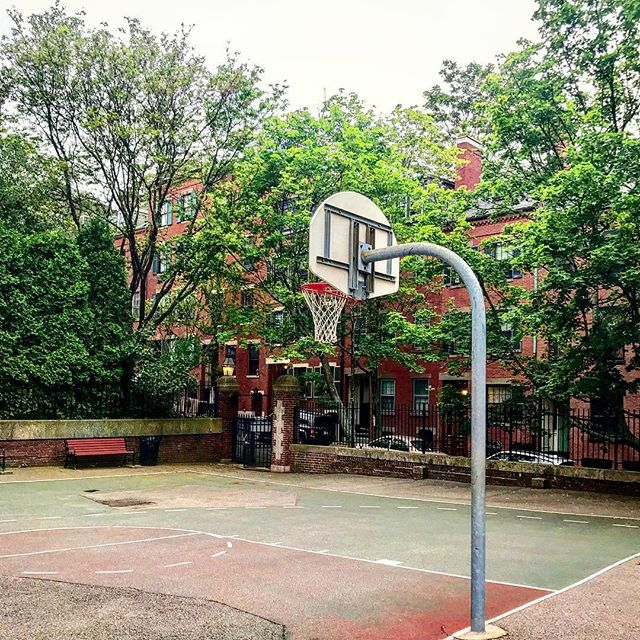 Whose ready for Spring and March Madness? . . . #basketball #hoopseason #hiddengem #beaconhill #realestateagent