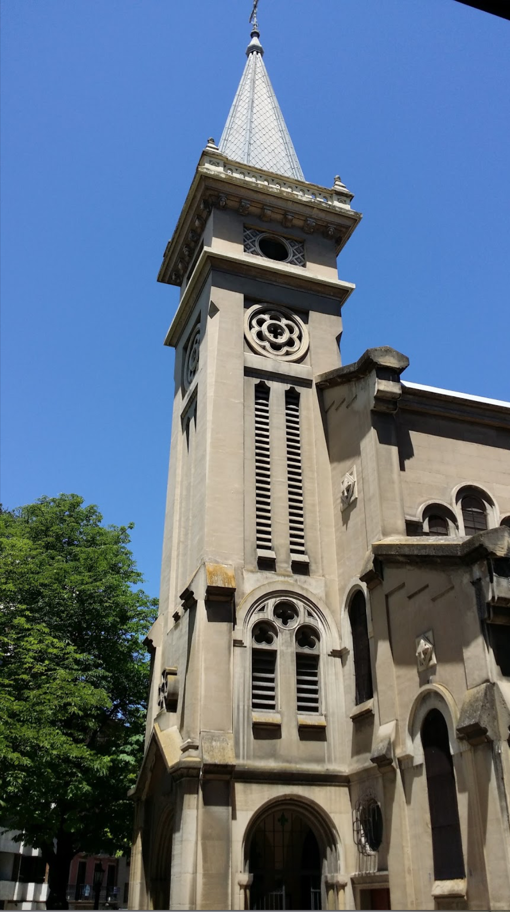 Iglesia de San Ignacio en  Pamplona,  sede elegida del proyecto  Amén.