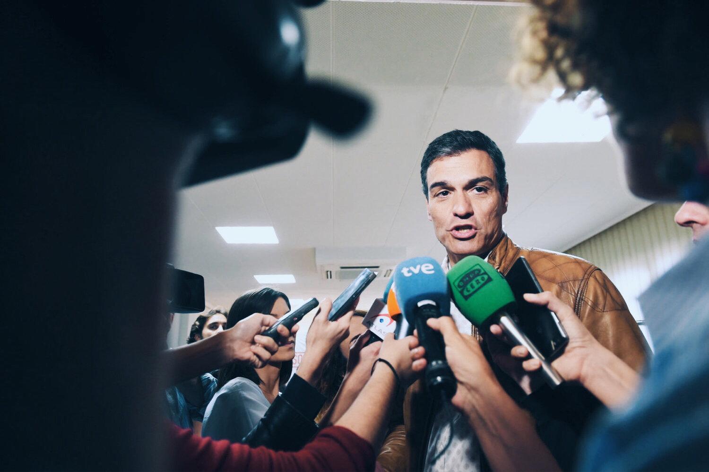 El Secretario General del  PSOE , Partido Socialista Obrero Español, Pedro Sanchez entrevistado por la prensa. © EFE
