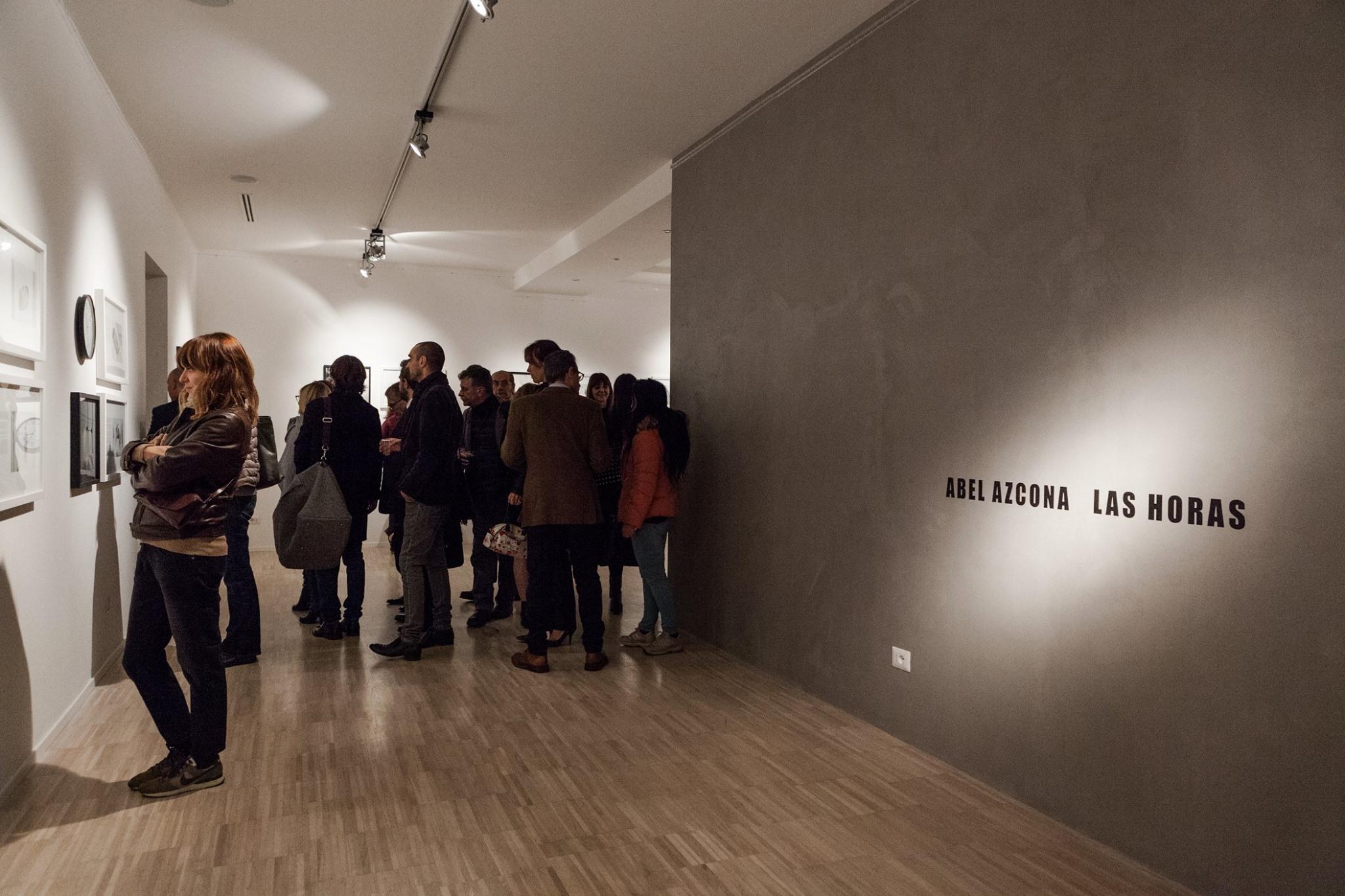 Exposición  Abel Azcona  I  Las Horas en  Rossmut Gallery  de  Roma del 16 Noviembre al 27 Marzo de 2016.