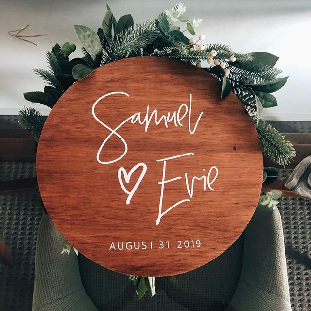 You asked and you shall receive. It seems like forever but I can finally offer wooden round circles! Made from beautiful hardwood and stained in your choice of stain colour 💕⠀ ⠀ Available in 40, 60 or 80cm in size, ready to ship across Australia 📮⠀ ⠀ #woodenweddingsign #rusticwedding #lovesign #timberweddingsign ⠀ #countrywedding #blankspacecollective #brisbaneweddings #eventsigns #weddingsign #weddingwelcomesign #brisbanecreatives #creativepreneur #creativelife #sydneywedding #weddingstylist #weddingday #bridetribe #eventdecor #eventstylist #eventplanner #weddingplanner #weddinginspo #eventinspo #weddinginspiration #whitemagazine #hellomay