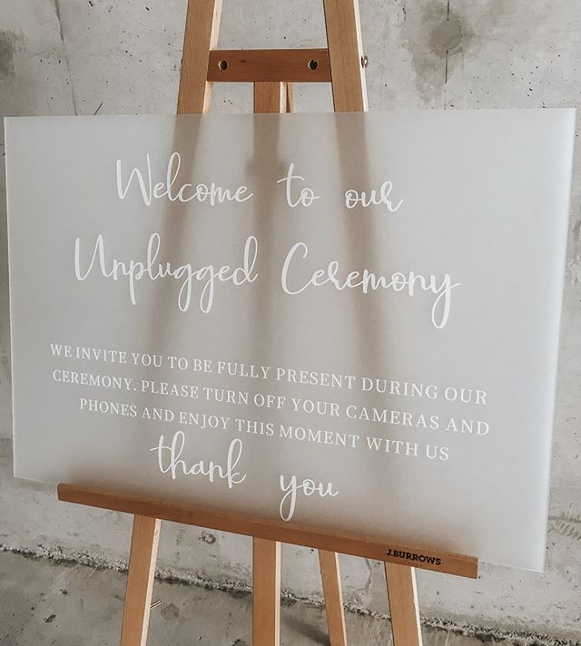 That Frosted White. Give it to me all night and day. There is something so classic about this combination. Its like having a little black dress in your wardrobe - expect this one is for your wedding and would be a little useless if you kept it in your wardrobe 🚫📳⁠ ⁠ ⁠ ⁠ ⁠ #welcomesign #unpluggedwedding #unpluggedweddingsigns #nophonewedding #outdoorweddingsign #brisbanewedding #goldcoastwedding #toowoombawedding #brisbanevents #weddingboard #sydneyevents #melbourneevents #eventdecor #eventstylist #eventinspo #weddinginspo #brisbanewedding #goldcoastwedding #perthwedding #sydneywedding #melbournewedding #ceremonydecor #brisbanecreative #stylinginspo #eventinspo #eventinspiration #weddingvendor #wishingwell #creative #ceremony