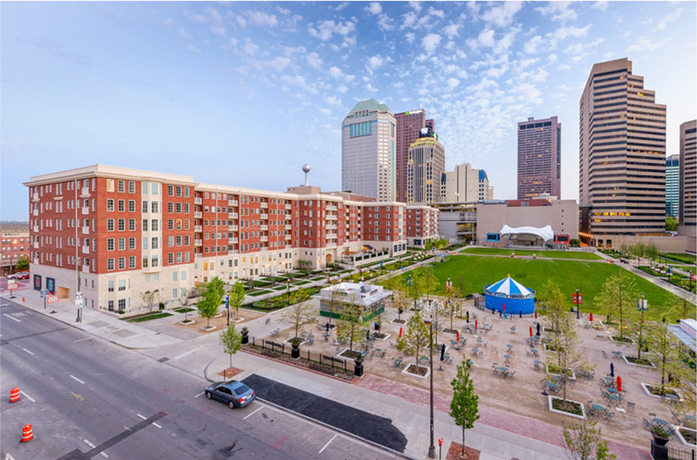 - $890 - $3,196   studios, 1 + 2 bedroomsIn a new destination district that's anything but ordinary, Highpoint on Columbus Commons offers a residential option unlike any other. It's exceptional location along the eight acre Columbus Commons park in the heart of Downtown Columbus lets you indulge in an extraordinary lifestyle that includes both urban and luxury and the vitality of true green space. With a mix of studio, one and two bedroom floor plans, including townhomes and premium home features and interior finishes, it's clear that Highpoint is the premier address in Columbus for those who want to live above it all.Furnished Short Term Apartments Available!View Furnished Housingand View Corporate Housing