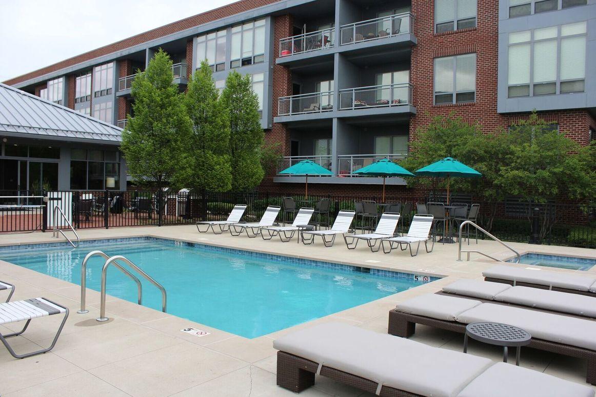 Flats on Vine 2 pool.jpg