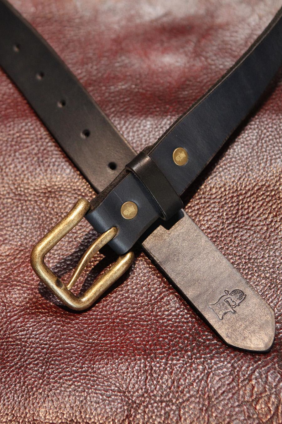 Belt in Navy. It will get darker to eventual Indigo.