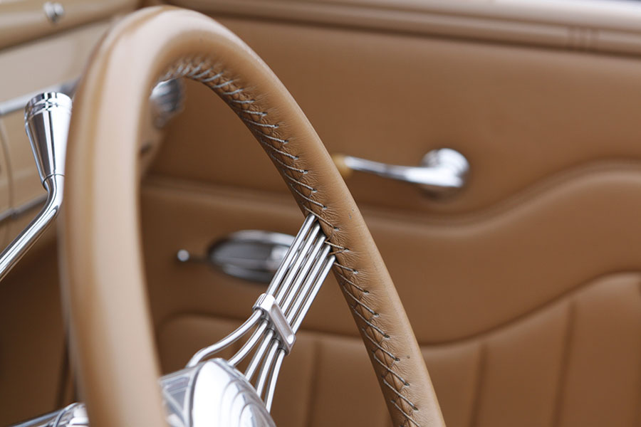 Silver & Light brown.   Our English Tan will look good in this Steering Wheel.
