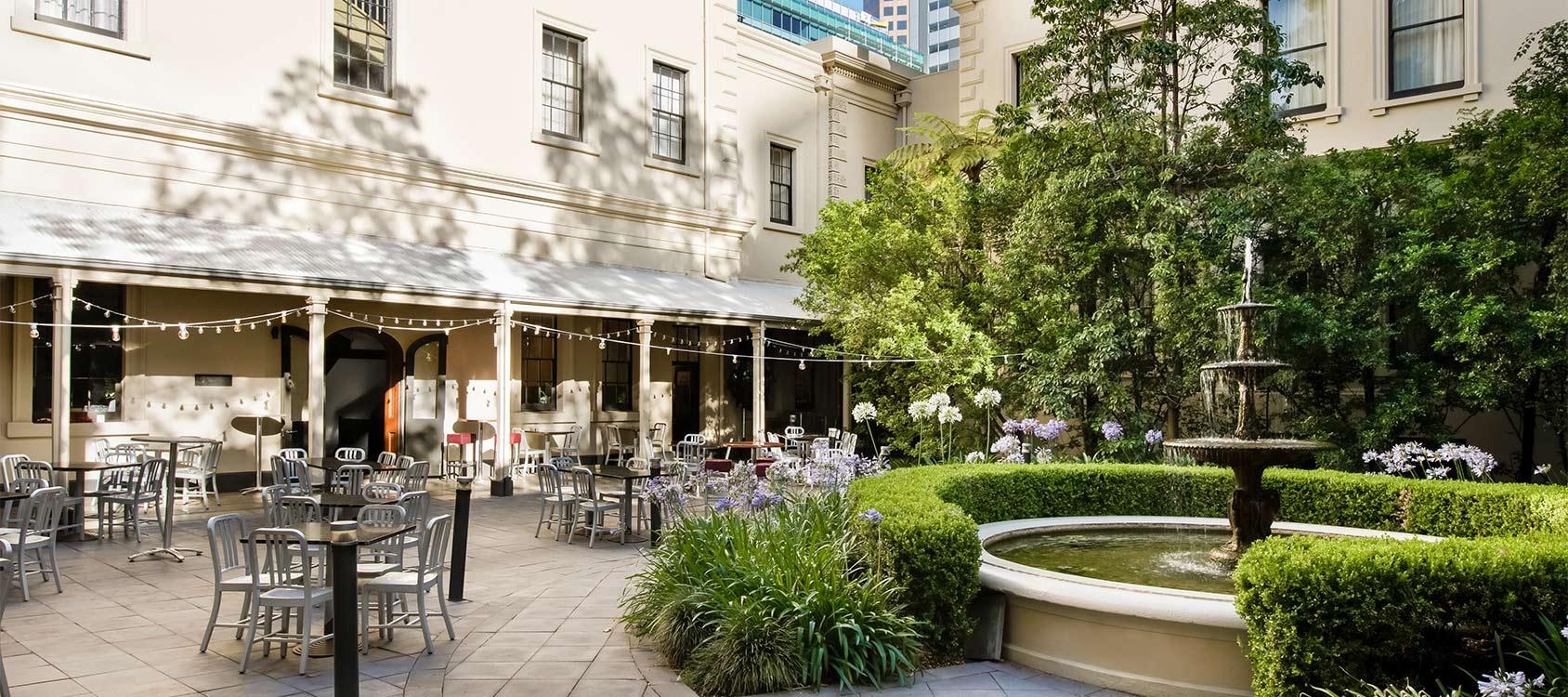 adina-apartment-hotel-adelaide-courtyard-01-2018.jpg