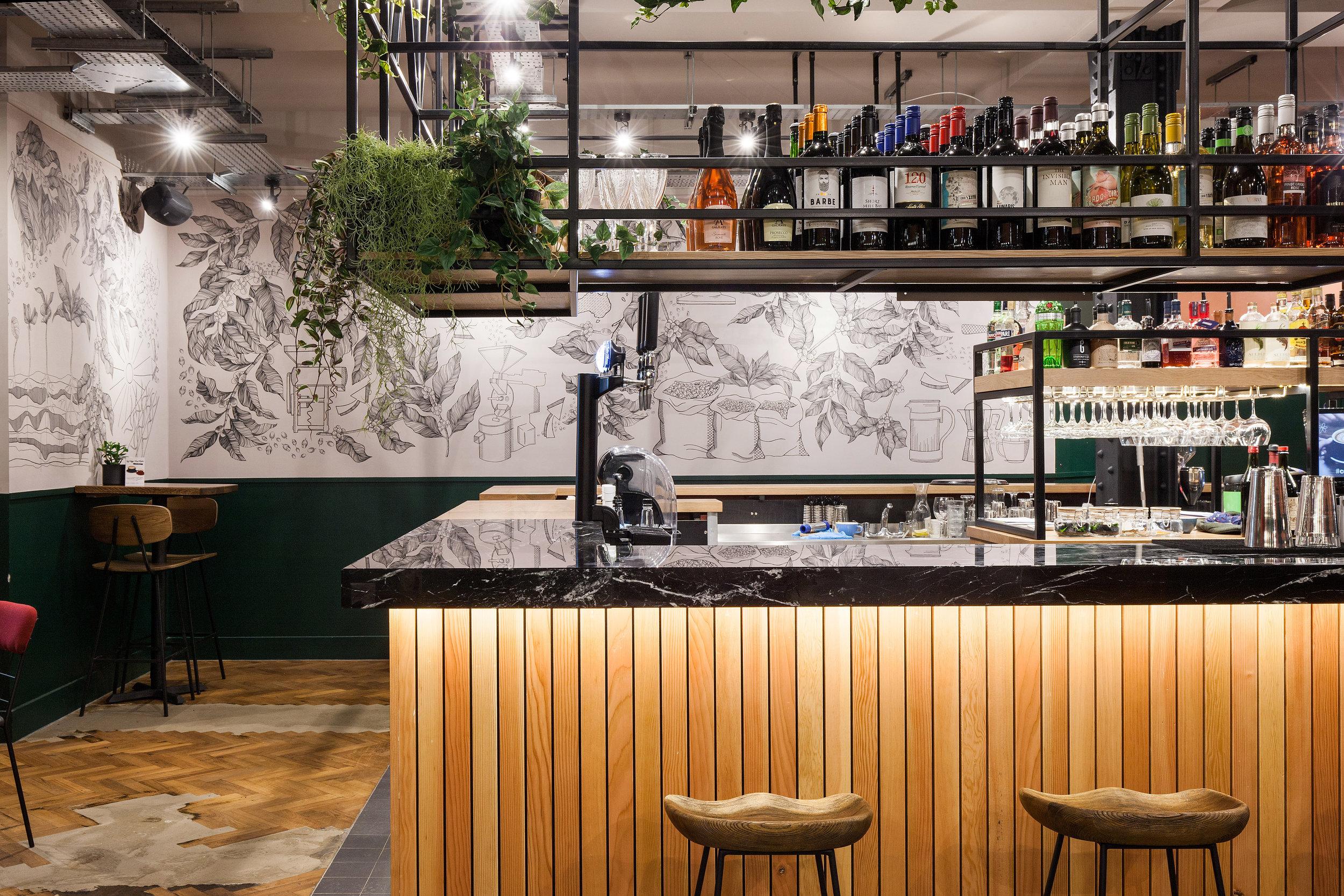 BEAR Derby interior bar