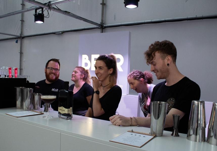 The whole bar team!
