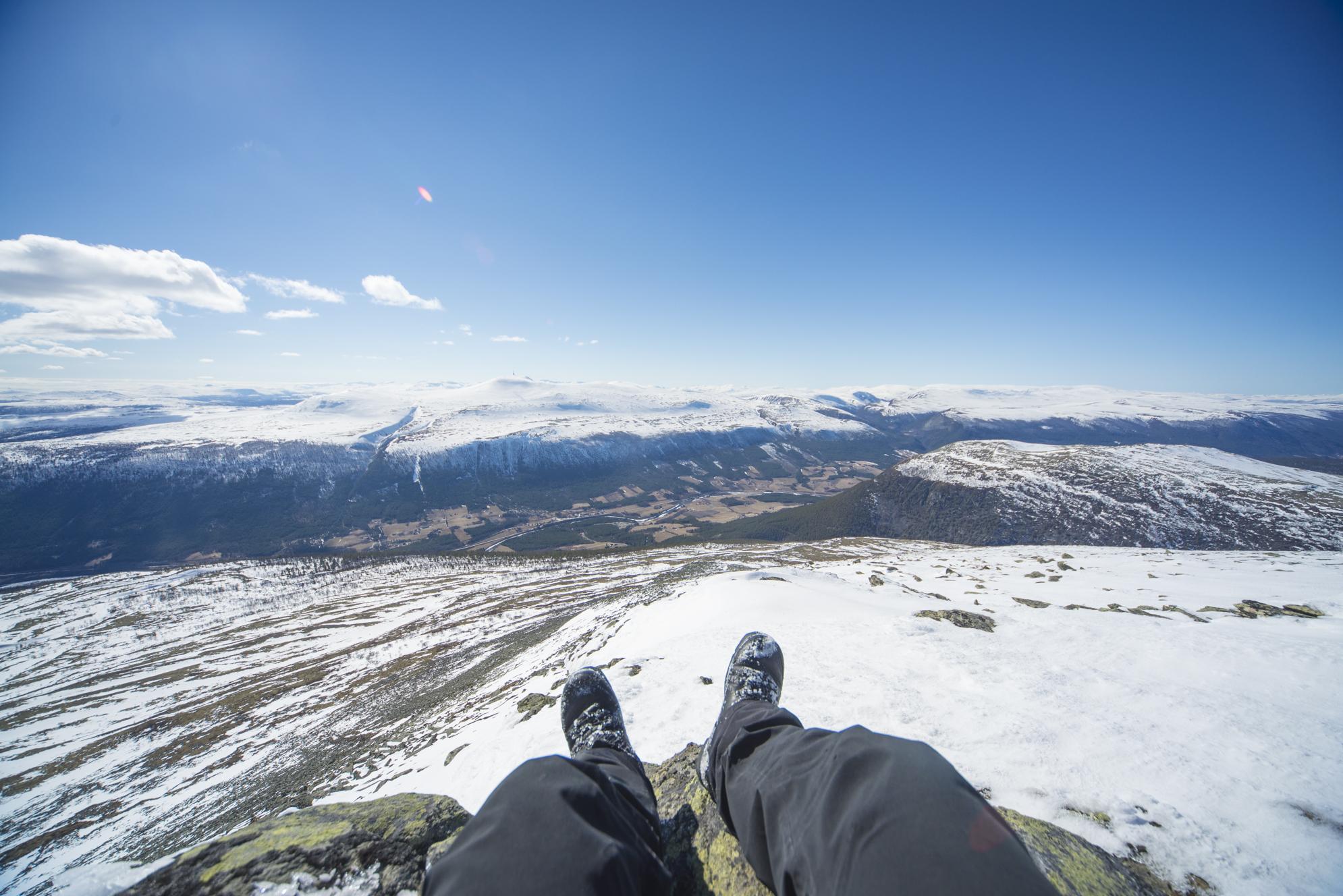 Utsikt fra Kuva - et fint turmål fra Skogsætrin sommer og vinter.