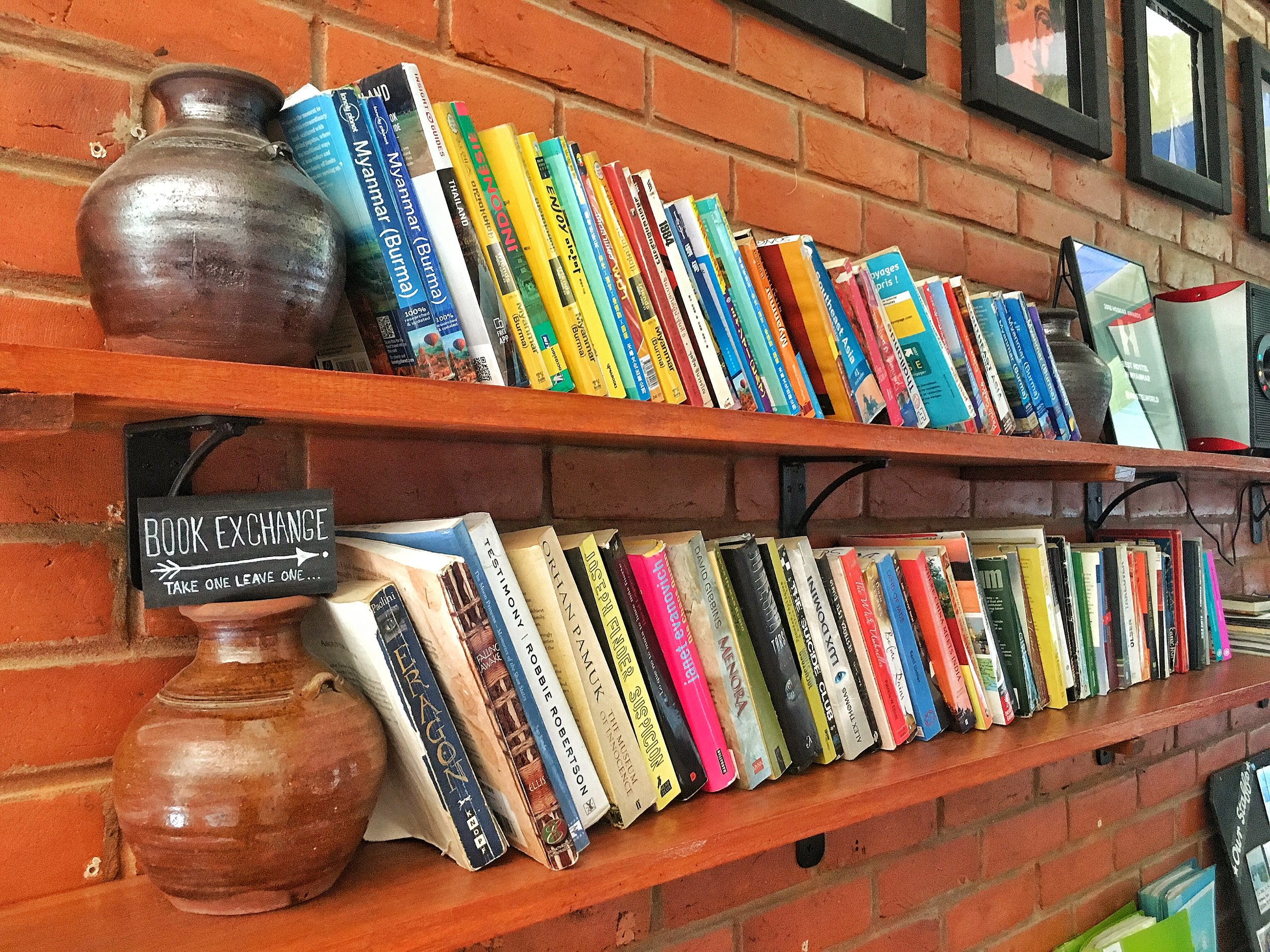 Exchange book store