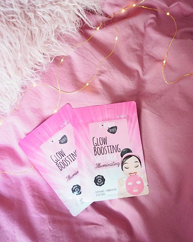 Glowing, dewy skin yes pls. Our glow boosting sheet mask is enriched with hydrating baobab oil, which is known for its excellent moisturizing and cell rejuvenating properties. Leaves your skin glowing and refreshed👸🏻☁️🌈🦄✨