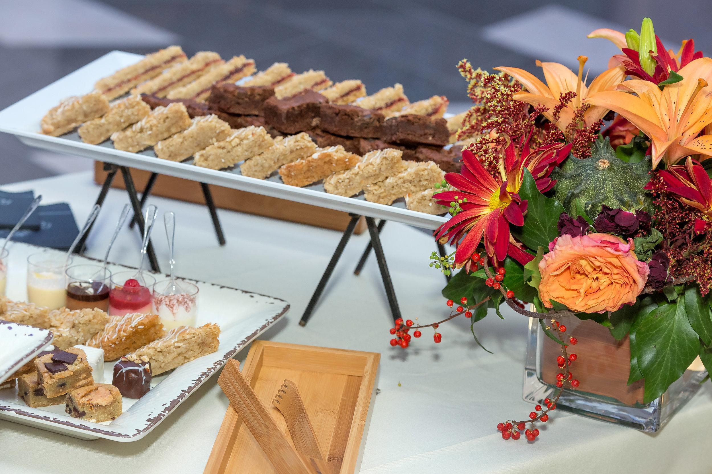 dessert buffet.jpg