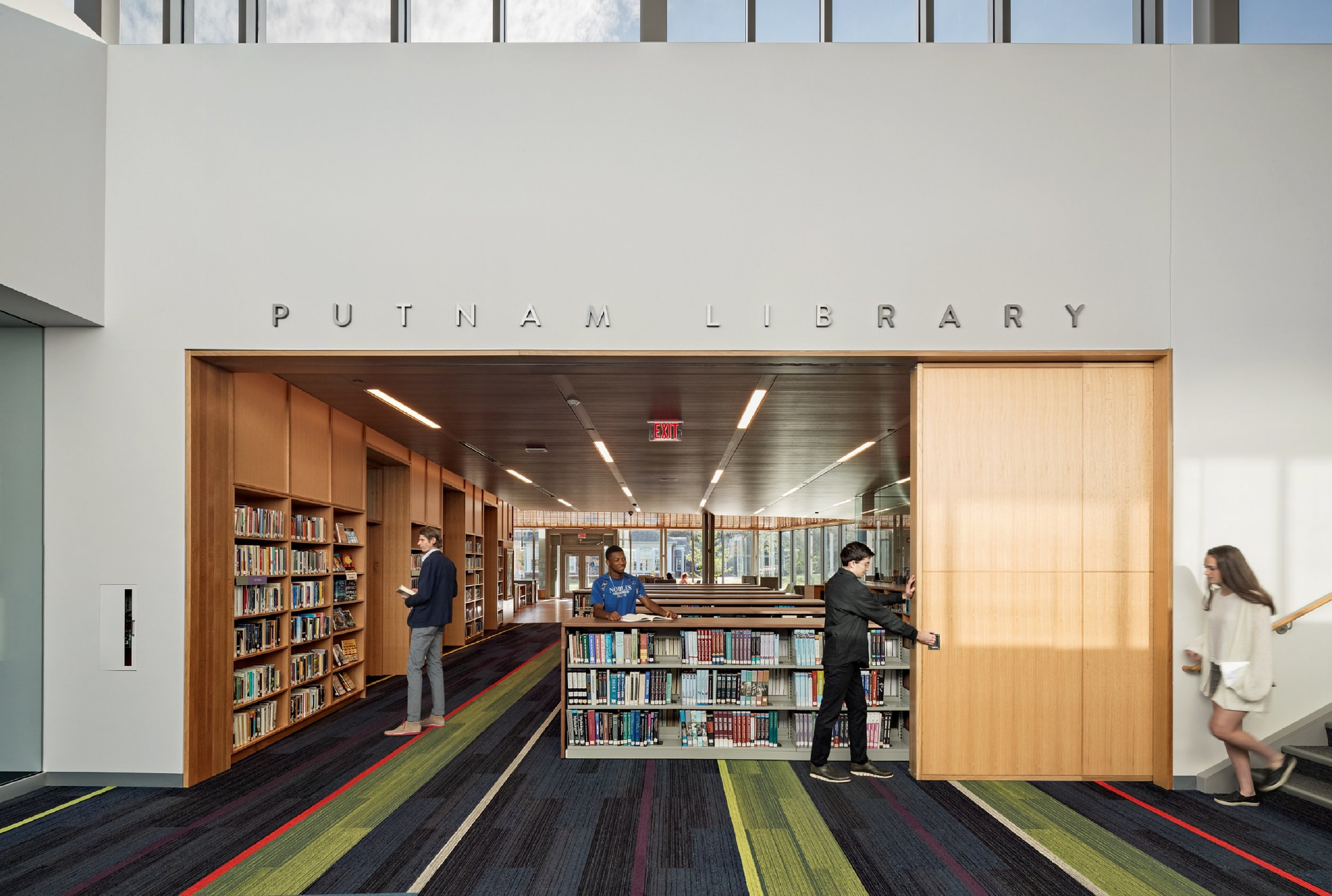 DEDHAM, MA - Noble & Greenough library