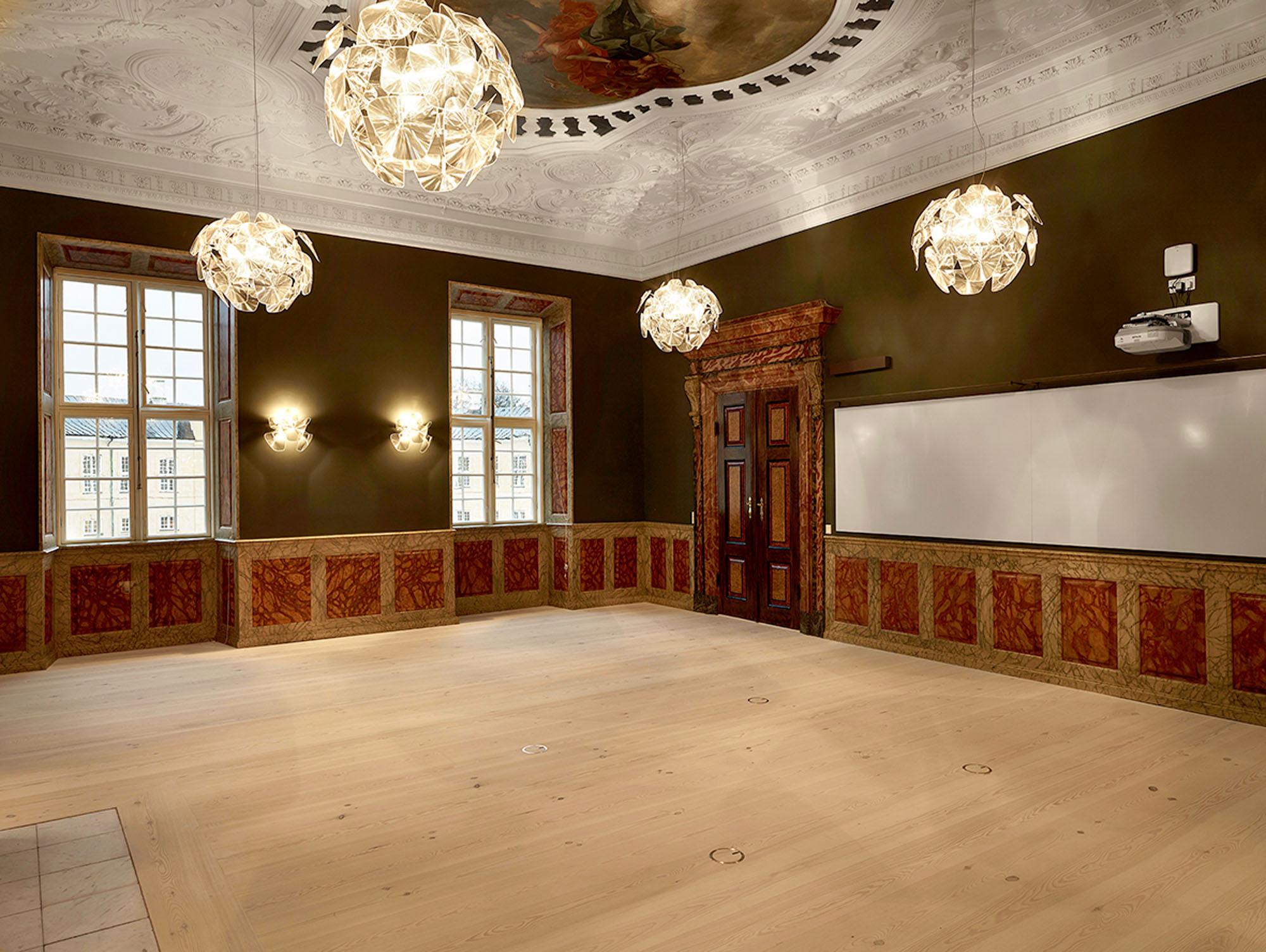 Frederiksberg Castle_01.jpg