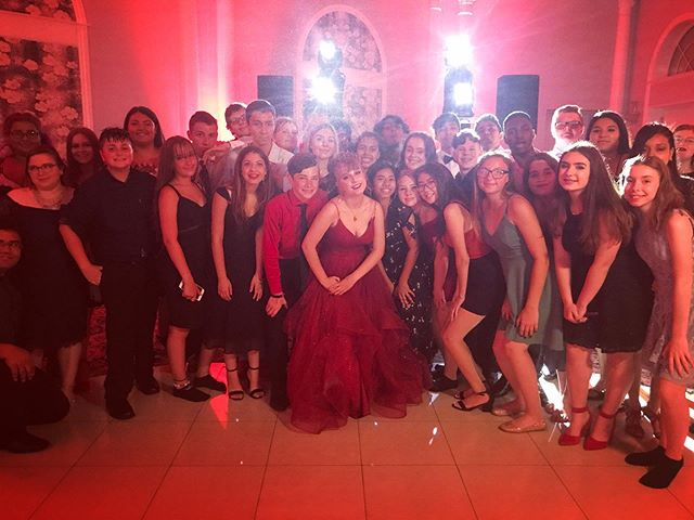 We had a great time last night at Arianna's Sweet 16 at the @islandchateau with Emcee @alexe2dj Dj @djjohnnybeez  Tech @anthony_bartolone  Photobooth @evpaffairs  Decor @balloonsplusstatenisland