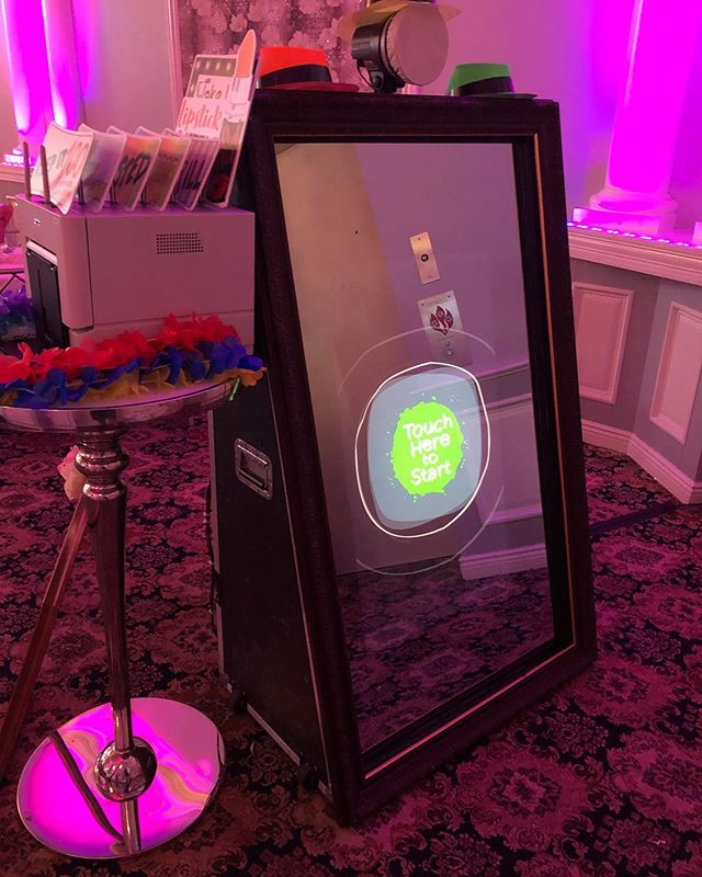Mirror Mirror on the wall teamed up tonight with @mirrormirrorbydina for our beautiful sweet 16 girl Gianna at @islandchateau #photobooth #flowerwall #sweet16 #e2dj #mirrorbooth #mirrormirroronthewall