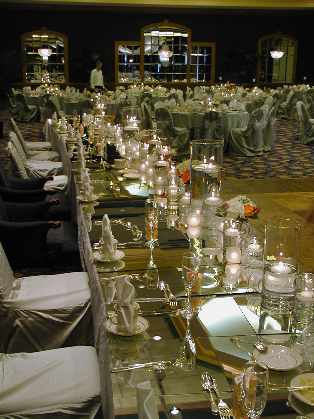 mirrored head table.JPG