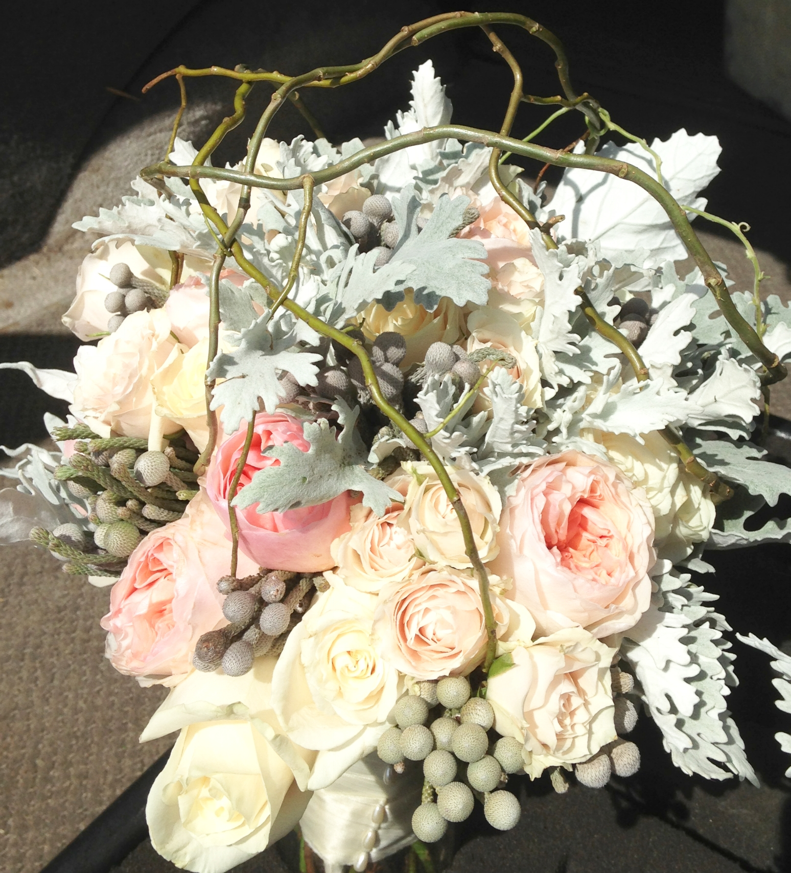 bouquet+with+curly+willow.JPG